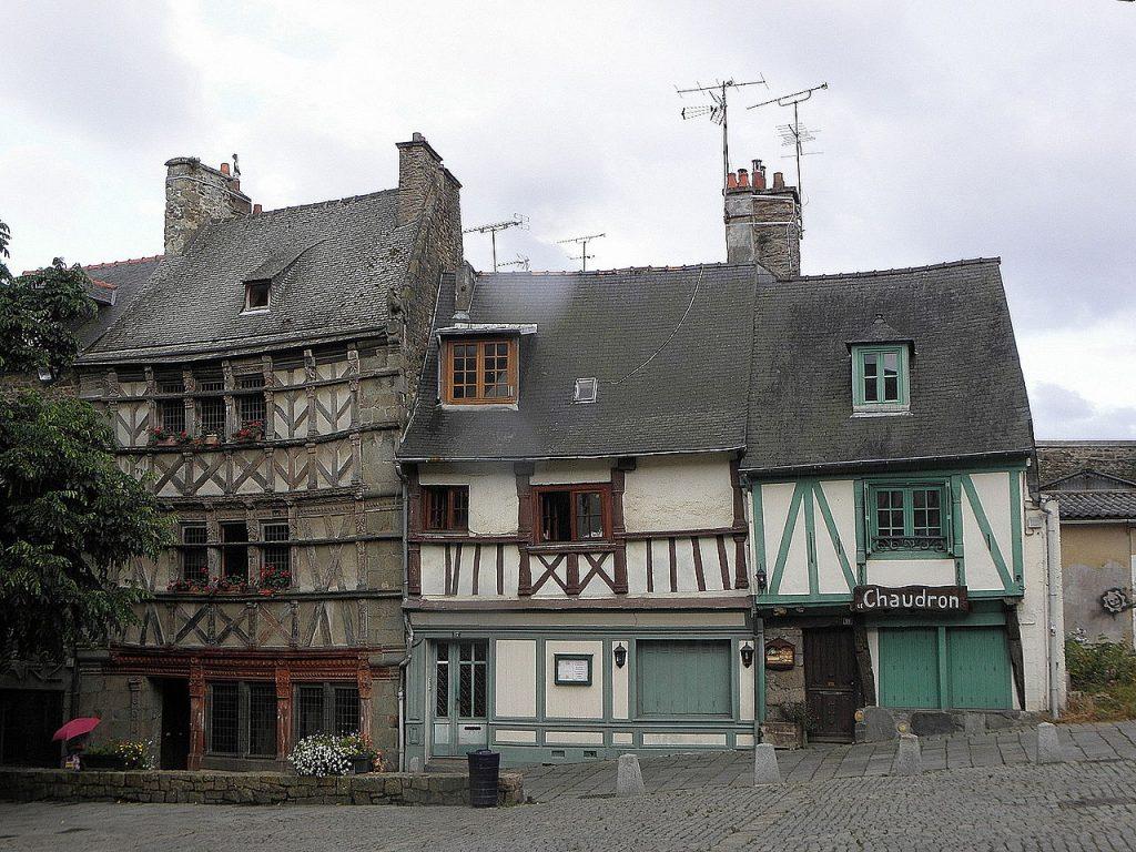 vieilles maisons bretonnes en colombage